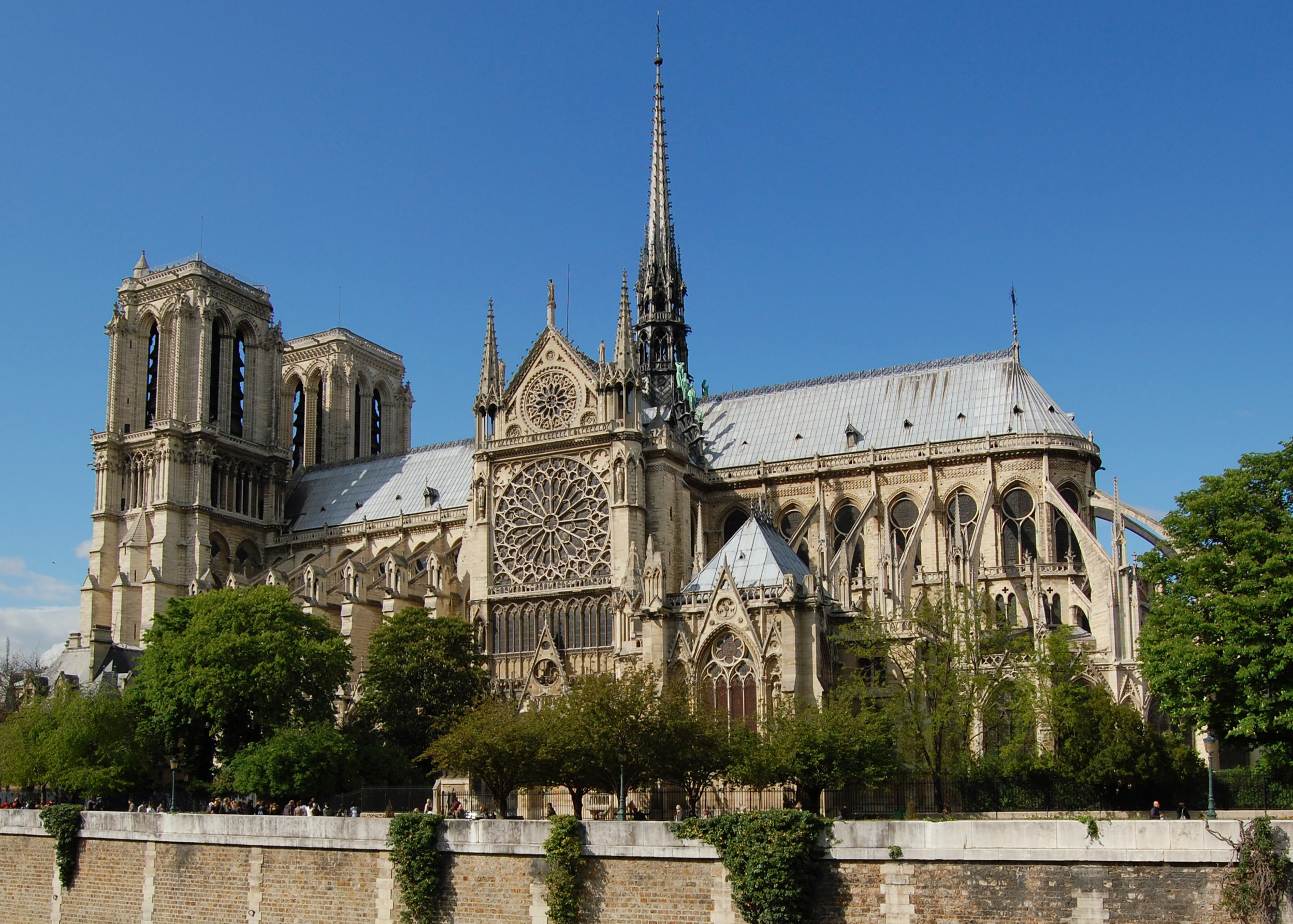 Notre Dame Cathedral (Photo Credit: Wikipedia)